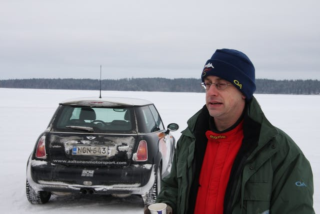 Peter Barker learning to drive MIN Is on ice in Finland 2008