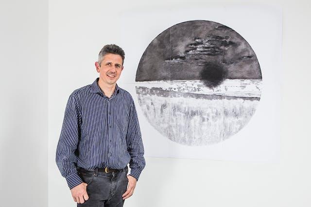 Stephen exhibition 9682