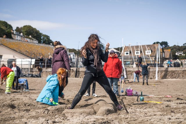 BA Hons Extended Degree students from Plymouth College of Art creating sand sculptures on Looe beach 1 Photo by Taylor Harford