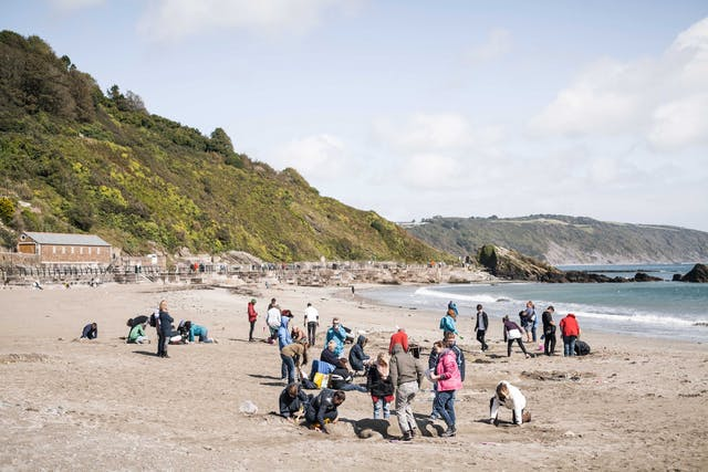 BA Hons Extended Degree students from Plymouth College of Art creating sand sculptures on Looe beach 2 Photo by Taylor Harford